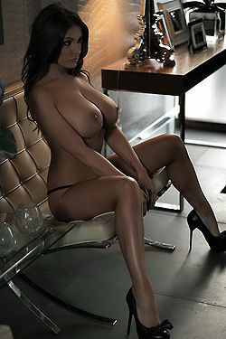 Amazing Nude Lucy