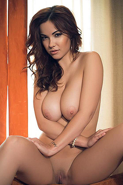 Elizabeth Marxs Big Juicy Boobs