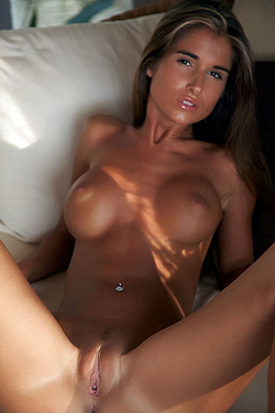 Incredible Hot Nude Girl Nessa