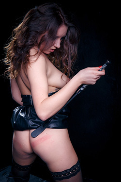 Gorgeous Brunette Luna D Is So Obsessed With Leather