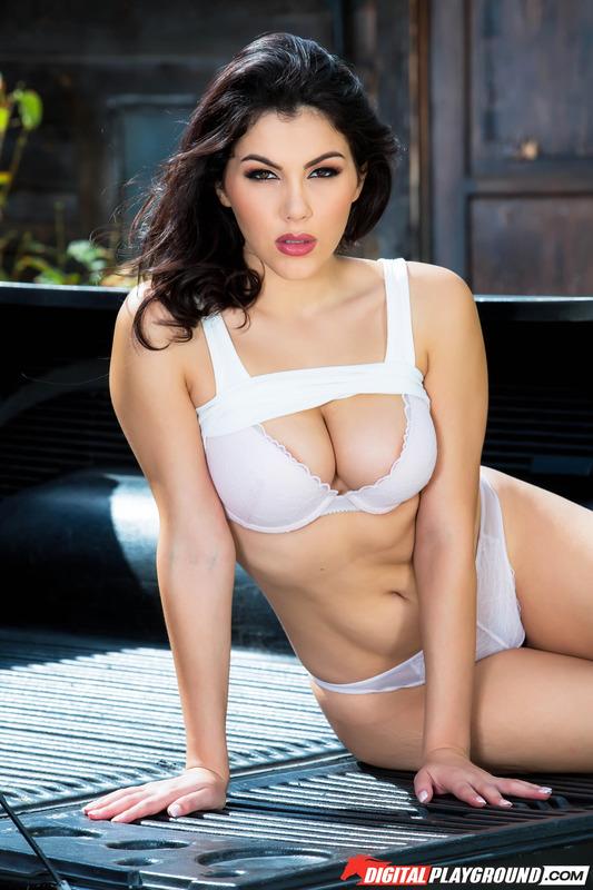 Valentina Nappi Hot