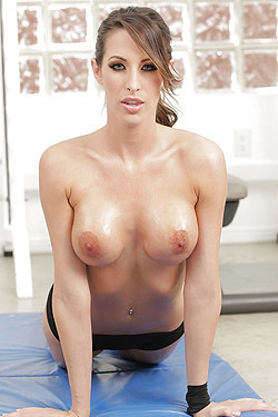 Oiled Babe Kortney Kane